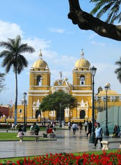 Trujillo is one of the biggest cities in Peru. This image above shows a cathedral located near the Pacific Ocean. Trujillo is the second oldest city in Peru, so it inevitably comes with an array of history. It is located in the Mochu Valley of Peru.