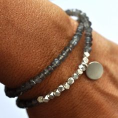 Silver Gemstone bracelet. Beaded Bracelet. Gray Moonstone double wrap bracelet. Pure silver disc tag charm