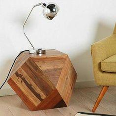 Criado mudo/mesa lateral geométrica - Loja de Móveis de Madeira Maciça. Moveis Rusticos