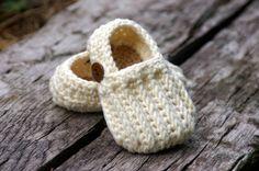 Crochet baby booties so cute