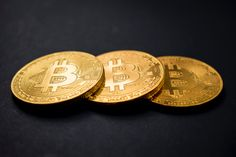 Learn how to register, buy Bitcoin and altcoins with your Bitcoin via the OVEX c. Learn how to register, buy Bitcoin and altcoins with your Bitcoin via the OVEX crypto-currency exchange. Was Ist Bitcoin, Buy Bitcoin, Bitcoin Price, Make Money Online, How To Make Money, Investing In Cryptocurrency, Bitcoin Cryptocurrency, Der Handel, Cloud Mining
