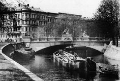 "Herkulesbrücke (""Hercules bridge"") near Lützowplatz crossing Landwehrkanal in Schöneberger Vorstadt, Berlin (now in Tiergarten district), ca. 1900 – Photo by Waldemar Titzenthaler"