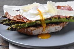 Poached eggs, grilled asparagus, crispy prosciutto and Parmesan are a match made in heaven. Our Italian style poached eggs will make a delicious meal for breakfast or lunch. Try it today!