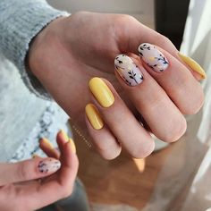 Find trendy DIY nail art tutorials for all skill levels. Now you can learn how to get creative manicured nails with step-by-step DIY nail art picture guides. Nude Nails, Nail Manicure, Diy Nails, Acrylic Nails, Fancy Nails, Pretty Nails, Easter Nail Designs, Minimalist Nails, Dream Nails