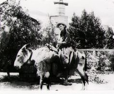 Before becoming First Lady, Lou Henry Hoover was a tomboy, outdoors woman, bareback horse rider, Girl Scout leader, world traveler, and one of the first women geologists at Stanford. Oh, and she spoke Latin and Chinese like it was no big deal. This First Lady had some SERIOUS awesomeness going on.