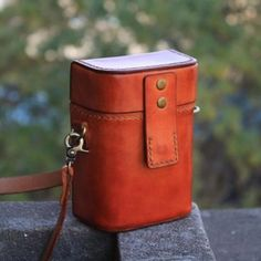 Handbags On Sale, Luxury Handbags, Fanny Pack Pattern, Leather Men, Brown Leather, Wooden Purse, Small Messenger Bag, Box Bag, Small Boxes