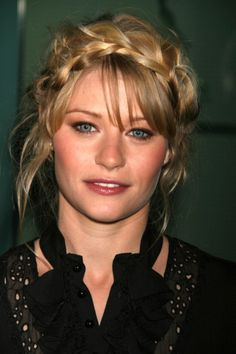 Emelie de Ravin Belle French, Emilie De Ravin, Spanish Actress, Just Girl Things, Celebs, Celebrities, Ouat, Famous People, Eye Candy