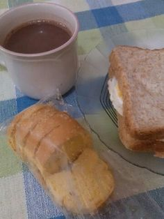 My dinner. Its enough for my tummy... #hotchocolate #oatbread #friedegg #bagelencheese