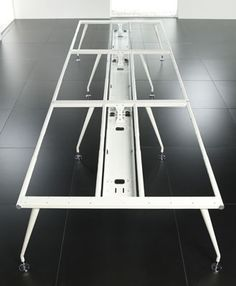 Shared leg frame with cable management