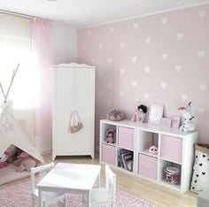 Sweet bedroom of Maria Salas. Sweet bedroom of Maria Salas. The post Sweet bedroom of Maria Salas. appeared first on Babyzimmer ideen. Baby Girl Room Decor, Baby Bedroom, Girls Bedroom, Bedroom Storage Ideas For Clothes, Bedroom Storage For Small Rooms, Bedroom Ideas, Girl Bedroom Designs, Kids Room Design, Little Girl Rooms