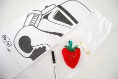De Miffy a la guerra de las galaxias, cojín fácil número dos... tutorial completo en el blog. Starwars Stormtrooper cushion DIY