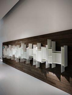 Crece la familia de librerías Random de Neuland Industriedesign para MDF Italia - Interiores Minimalistas