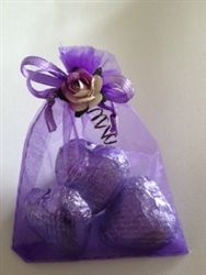 Organza Ready Made Wedding Favours Filled With Belgium Chocolate Foiled Hearts A To Grace