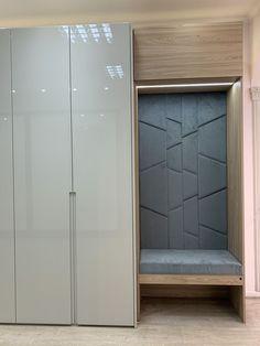 Home Room Design, Home Office Design, House Design, Wardrobe Room, Wardrobe Design Bedroom, Home Entrance Decor, Entrance Design, Flur Design, Wardrobe Door Designs