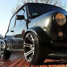 doesn't work for me. Mini Cooper Classic, Classic Mini, Classic Cars, Fancy Cars, Cool Cars, Motor Car, Auto Motor, Mini Morris, Mini Rolls