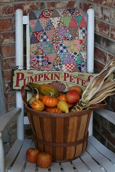 FALL DECOR... cute on the front porch