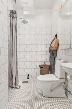 Examine this crucial graphics as well as look into the presented information on Remodled Bathrooms Tiny Bathrooms, Modern Bathroom, Small Bathroom, Bathroom Ideas, Pool House Bathroom, Basement Bathroom, Tub Shower Combo, Shower Tub, Unclog Bathtub Drain