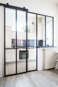 Design Villa Moderne, Modern Villa Design, Loft Design, House Design, Small Home Gyms, Glass Room Divider, Diy Home Decor Easy, Dream House Interior, Interior Windows