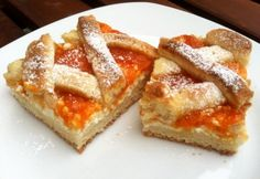Túrós-barackos-rácsos pite Hungarian Cuisine, Food Hacks, French Toast, Good Food, Food And Drink, Pie, Sweets, Cookies, Breakfast