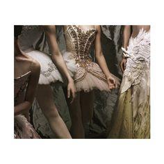 優雅的弊病 ❤ liked on Polyvore featuring pictures, photos, backgrounds, people and ballet