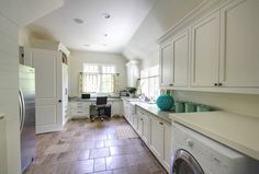 Laundry room/office