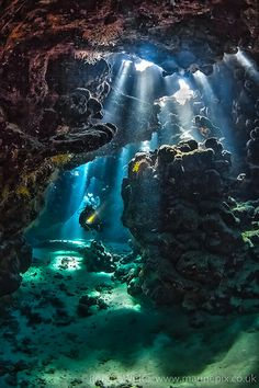 Torchlight swim St John's caves in the Egyptian Red-sea. Some of the most beautiful sunlight I've seen. Beautiful Ocean, Amazing Nature, Beautiful Places, Underwater Photography, Landscape Photography, Nature Photography, Underwater Photos, Film Photography, Underwater Drawing