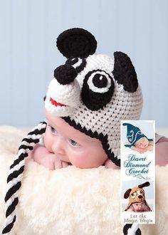 Ravelry: 012 - patrón del oso de panda con orejeras Beanie por Desert Diamond ganchillo
