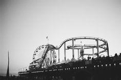 amusement park carnival rides -  amusement park carnival rides free stock photo Dimensions:3000 x 1989 Size:3.48 MB  - http://www.welovesolo.com/amusement-park-carnival-rides/