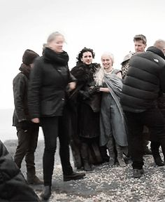 Kit Harington Describing The First Time He Met Emilia Clarke Will Completely Wreck You - Modern Kit Harington, Emilia Clarke, Dany And Jon, Jon Snow And Daenerys, Game Of Thrones Cast, Game Of Thrones Funny, Acteurs Game Of Throne, Daenerys Targaryen, Jon Snow Targaryen