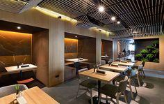 Restaurante Odessa, Kiev. 30km de cuerda por YOD Design Lab
