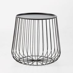 Cage metal wire side table Am. Wire Side Table, Home Furniture, Table Furniture, Metal Design, Large Coffee Tables, Cage, Fashion Room, Solid Oak, Strands
