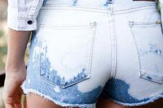 12 shorts: elegí el que va con tu estilo  Verano a pleno batik. Los shorts en degradé son ¡THE BEST! Combinalos con camisas para tener una onda bien festivalera.  /Agustina Tato. Producción de Lara Luján