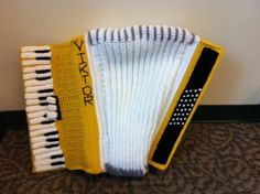 Amazing crochet Accordion! #Amigurumi