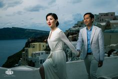 In this wedding season everything worked perfectly to combine the location of Santorini with my wedding photography view and style!