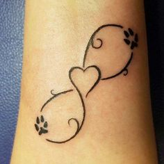 50 Inspirational Mother Daughter Infinity Tattoos to Express Deep Love Mother Daughter Infinity Tattoos, Mother Tattoos, Mom Tattoos, Wrist Tattoos, Cute Tattoos, Small Tattoos, Tatoos, Tattoos With Kids Names, Tattoos For Daughters