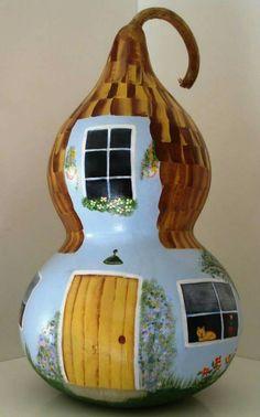 Kabak boyama Nature Crafts, Fun Crafts, Diy And Crafts, Crafts For Kids, Arts And Crafts, Gourds Birdhouse, Hand Painted Gourds, Easter Art, Gourd Art