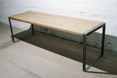 Großer+Tisch+aus+Recycling+Holz+und+Stahl+von+BjørnKarlssonFurniture+auf+DaWanda.com