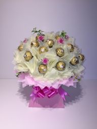 Deluxe Ferrero Rocher Chocolate Bouquet in Cream/Baby Pink Ferrero Rocher Bouquet, Ferrero Rocher Chocolates, Ferrero Chocolate, Chocolate Boutique, Handcrafted Jewelry, Handmade, How To Make Chocolate, Vintage Gifts, Jewelry Crafts