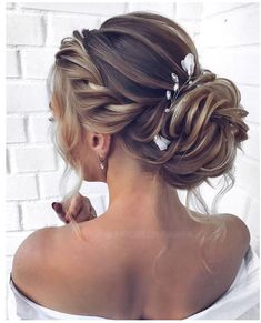Long wedding hairstyles 2019 Informations About Lange Hochzeitsfrisuren 2020 - Pin You can easily us Homecoming Hairstyles, Wedding Hairstyles For Long Hair, Wedding Hair And Makeup, Bride Hairstyles, Easy Hairstyles, Bridal Hair, Hair Makeup, Hair Wedding, Indian Hairstyles