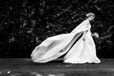 Diese wunderschöne Braut in der Seitenansicht. | 14 umwerfende Hochzeitsfotos, die wirklich echte Kunstwerke sind
