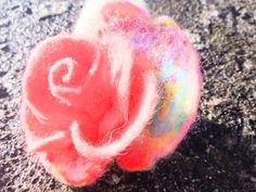 Peach Rose with rainbow leaf. Hand made felted. Sugar Rose, Easter Flowers, Romantic Flowers, Flower Delivery, Flower Brooch, Peach Rose, Maya, Hair Clips, Felt