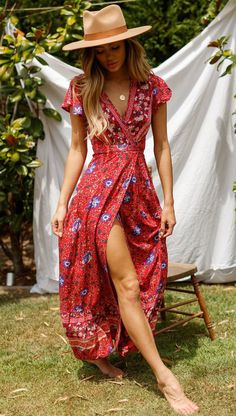 Bohemia Beach Maxi Kleider mit V-Ausschnitt - summer fashion - Best Outfit Mode Hippie, Mode Boho, Boho Outfits, Summer Beach Dresses, Boho Chic Outfits Summer, Women's Summer Dresses, Hippie Chic Outfits, Bohemian Summer Dresses, Beautiful Summer Dresses