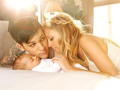 I want to do this for a newborn pic with the boys too. So adorable!!