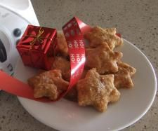 Recipe Paprika & parmesan Christmas crackers by Katinka, learn to make this recipe easily in your kitchen machine and discover other Thermomix recipes in Baking - savoury. Parmesan, Good Food, Yummy Food, Christmas Crackers, Recipe Community, Vegetarian Cheese, Food Inspiration, Cooking Recipes, Baking
