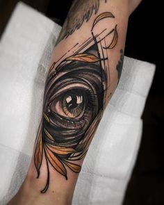 Arte criada por Felipe Rodrigues (RodFerod).  As luzes dos olhos teus.  #tattoo #tatuagem #colorida #colorful #arte #art
