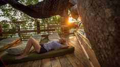 die besten 25 baumhaus schweiz ideen auf pinterest outdoor m nster chalets und m belh user. Black Bedroom Furniture Sets. Home Design Ideas