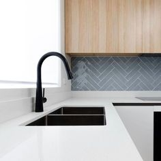 New Kitchen Sink Taps Mud Rooms Ideas Best Kitchen Sinks, Kitchen Sink Taps, Cool Kitchens, Black Kitchen Taps, Soapstone Kitchen, Kitchen Cabinetry, Kitchen Countertops, Kitchen Splashback Tiles, Backsplash