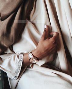 IG: Hanifa.Sayeed || Modern Abaya Fashion || IG: Beautiifulinblack