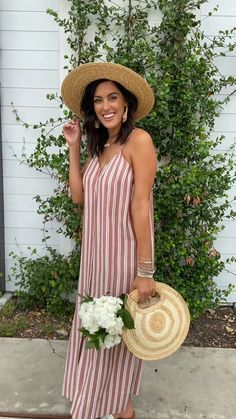 @stylethegirl is turning her Summer vacation into a Summer Style-Cation with Mud Pie! 🌿 #mudpiegift #staycation #summerstylecation #bloggerstyle