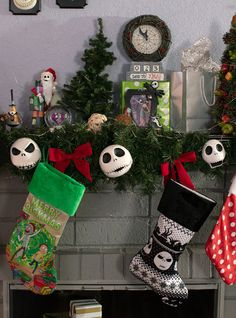 The Nightmare Before Christmas Jack Face Light-Up Garland, Halloween Christmas Tree, Dark Christmas, Christmas Crafts For Gifts, Christmas Pops, Christmas Countdown, Christmas Shirts, Halloween 2015, Christmas Stockings, Halloween Party